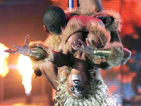 Luli Love en su presentación del caño doble en Fiebre de Baile. (UPI ...