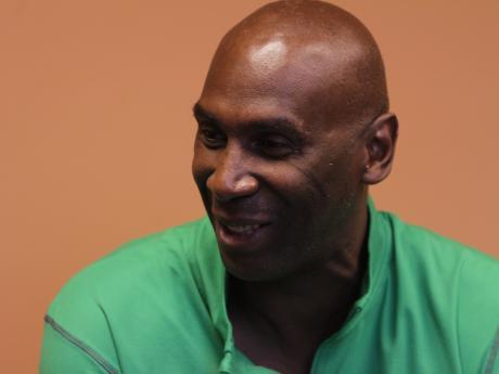 Resultado de imagen para basquetbol pto montt Carlton Johnson