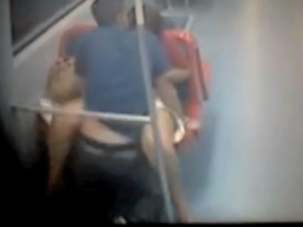 Sexo en el metro de barcelona - 3 part 6