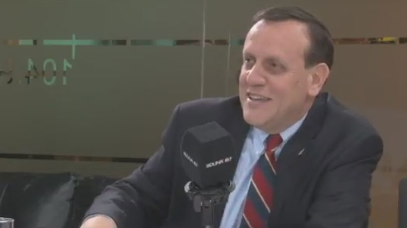 Fuerte orgasmo de Whatsapp interrumpió entrevista radial al rector de la UC