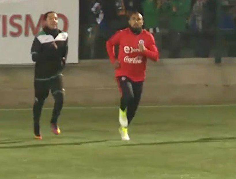 Arturo Vidal llegó a San Joaquín y entrenó junto a su club del barrio