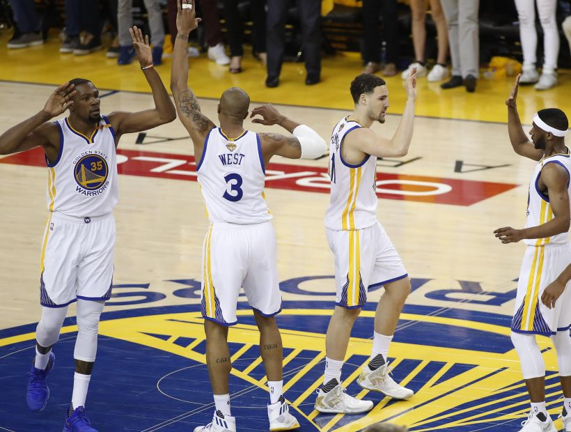 Golden State Warriors le ganóa los Cavaliers y se coloca 2-0 arriba en la final de la NBA