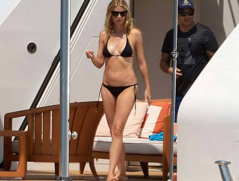 Gwyneth Paltrow se lució en un diminuto bikini