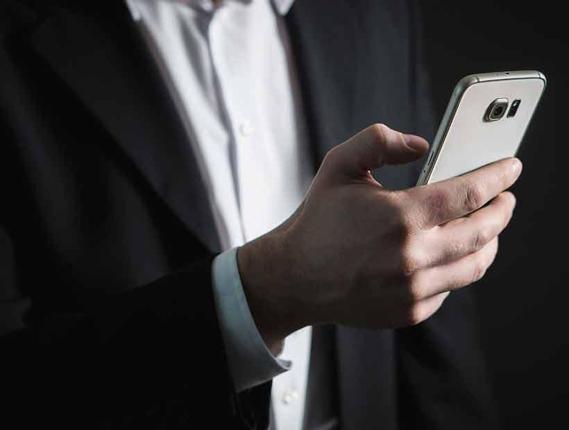 Consumo de noticias crece a través de redes de mensajería, según estudio