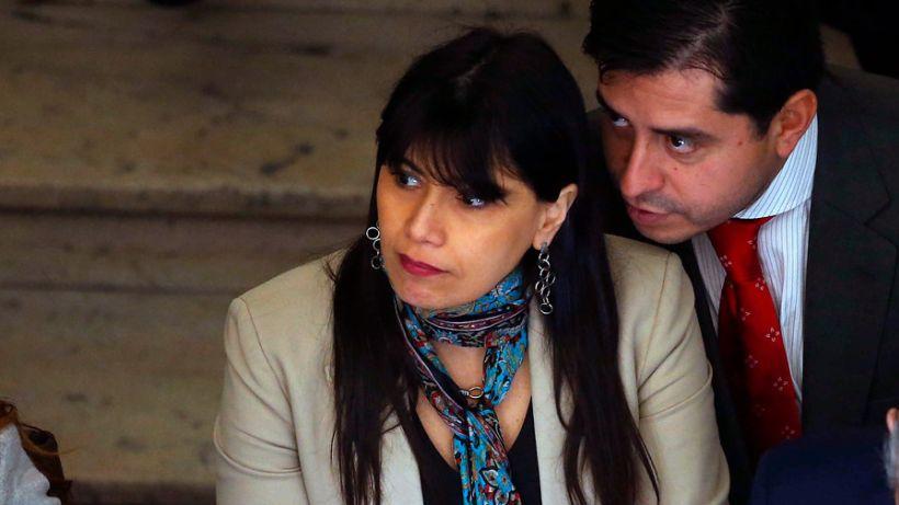 Senador Araya defendió a su pareja: