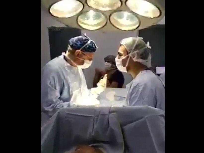 Colegio Médico y la celebración en medio de una cirugía: