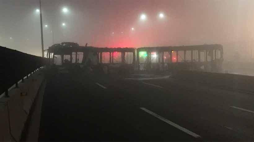 Gran congestión en Autopista Central por quema de bus del Transantiago