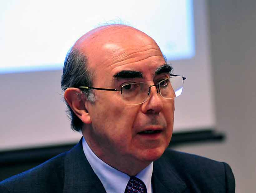 Roberto Méndez y críticas de Guillier a los sondeos: