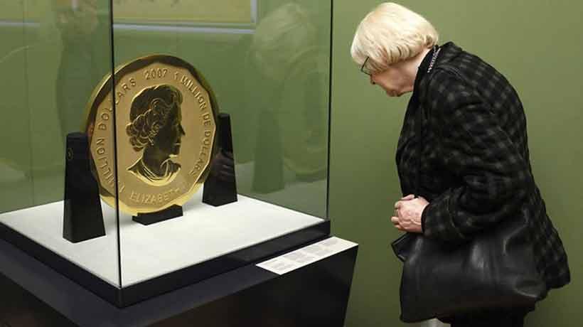 Detuvieron a cuatro personas por el robo de la mayor moneda de oro del mundo