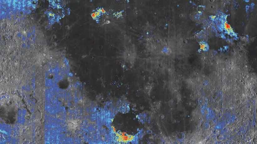 Encontraron nuevas evidencias de agua en el interior de la Luna