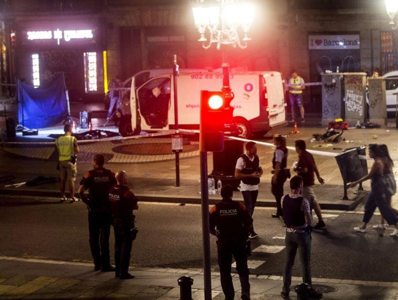 El Gobierno español decretó tres días de luto oficial por el ataque en Barcelona