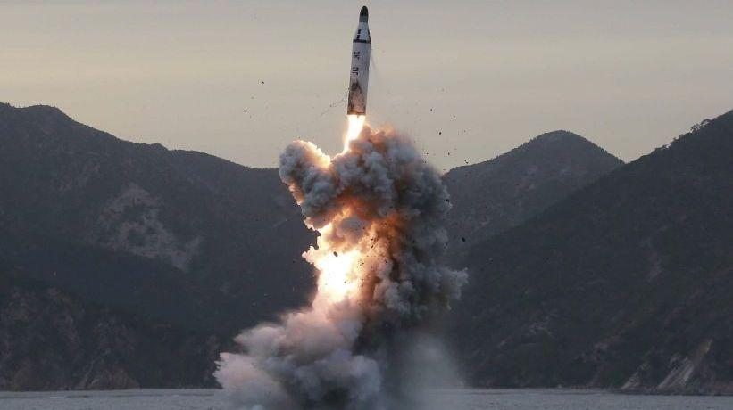 Primer ministro de Japón y Donald Trump acordaron presionar más a Corea del Norte tras nuevo test de misil