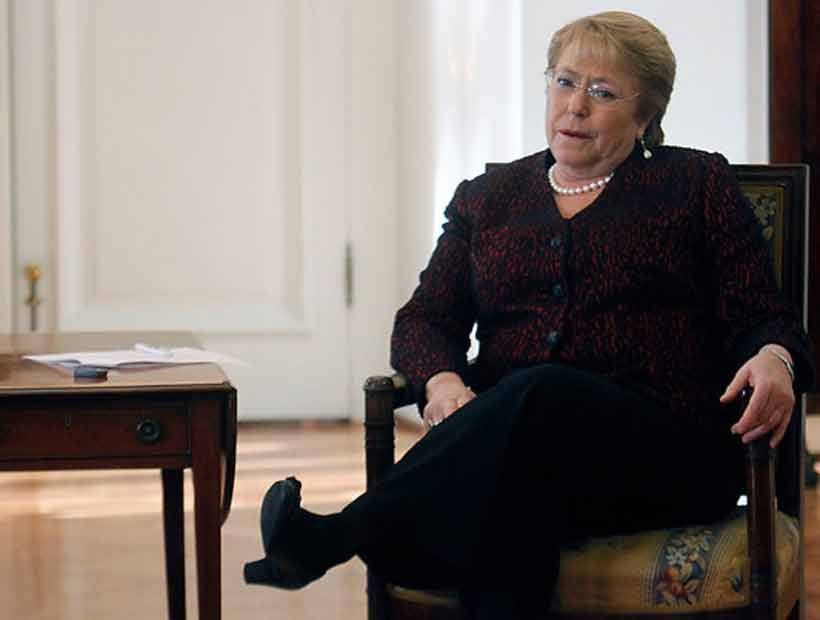 Columna de The New York Times destacó gestión de Bachelet: