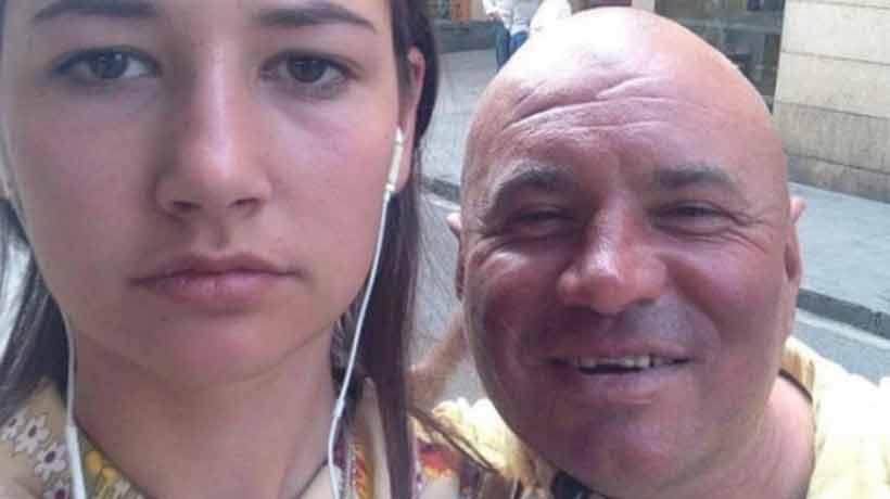 Se sacó una selfie con sus acosadores callejeros para crear conciencia