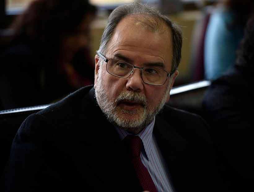 Ministro de Economía dijo que opinión del presidente de la Bolsa sobre colapso es