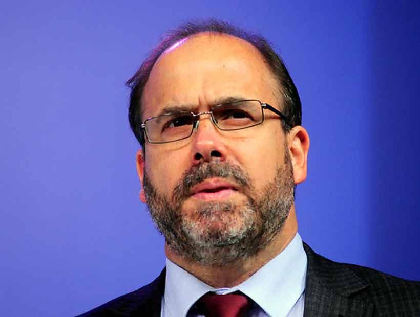 Ministro del MOP aseguró que el programa de Piñera