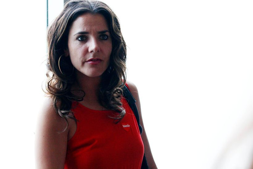 Julia Vial denunció que azafata la gritoneó a ella y a su hija