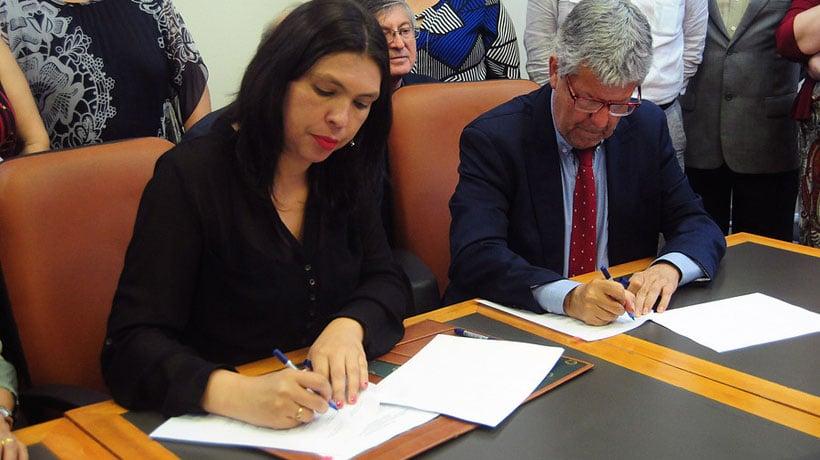 Gobierno y sector público firmaron protocolo de acuerdo por reajuste salarial de 2,5%