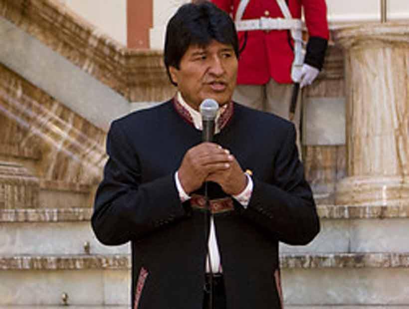 Evo Morales repostulará a la Presidencia y arremete contra EE.UU. y Chile