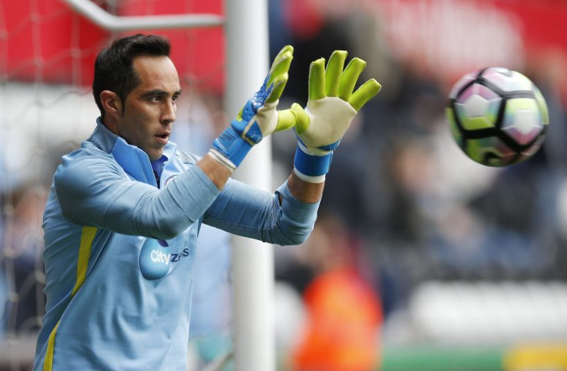 Premier: El City de Bravo remonta ante West Ham y sigue con andar imparable