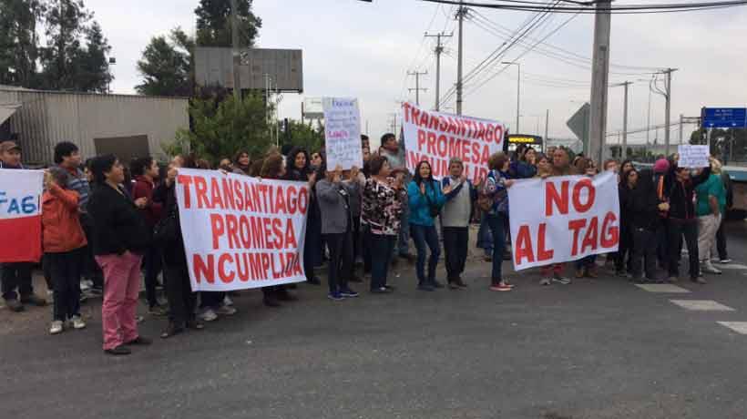 Vecinos de Lampa protestaron contra la instalación de los TAG