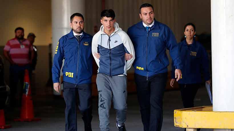Hijo de Francisco Huaiquipán llega a Chile tras ser extraditado de España