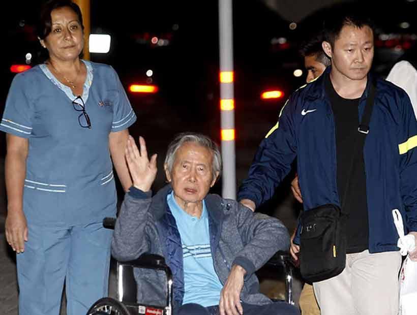 Alberto Fujimori salió de clínica y quedó libre tras polémico indulto de Kuczynski
