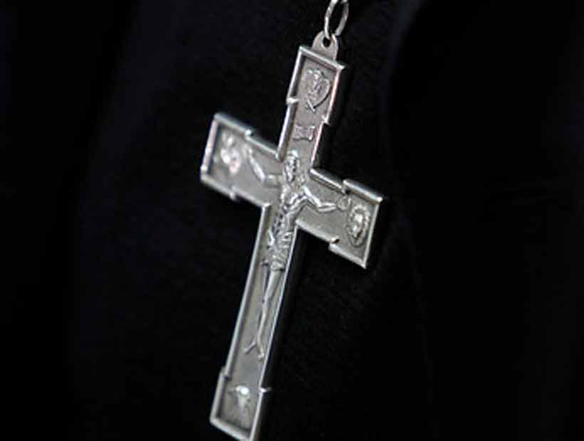 Ochenta religiosos han sido acusados por abusos en Chile
