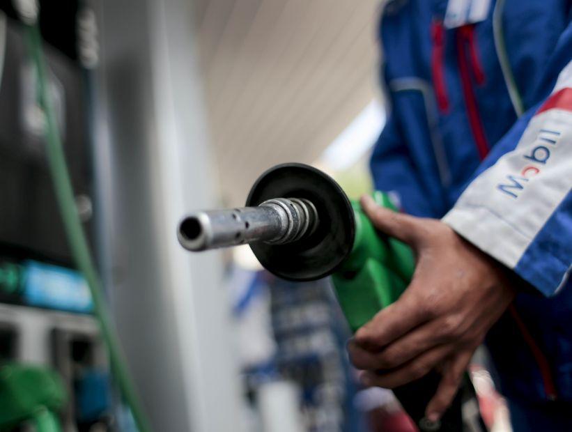 Bencinas experimentarán variaciones mixtas en su precio a contar de mañana