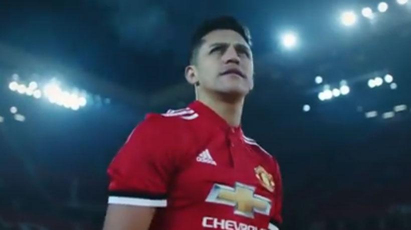 Jugador del Arsenal volvió a repasar a Alexis ahora por su fichaje por el United