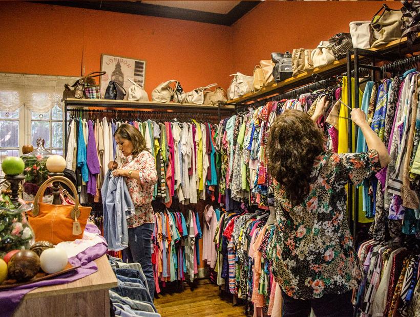 cfd3eb349 Calle Santiago se impone en la oferta de ropa de segunda mano en Villa  Alemana